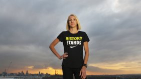 paula-radcliffe-london-skyline-history-stands-t-shirt_3397933